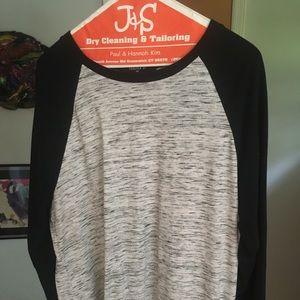 ❗️3/4 Sleeve Forever 21 T-Shirt